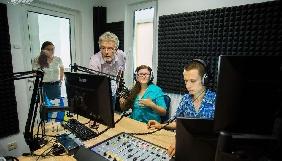 Почало працювати нове кримськотатарське радіо «Хаят»