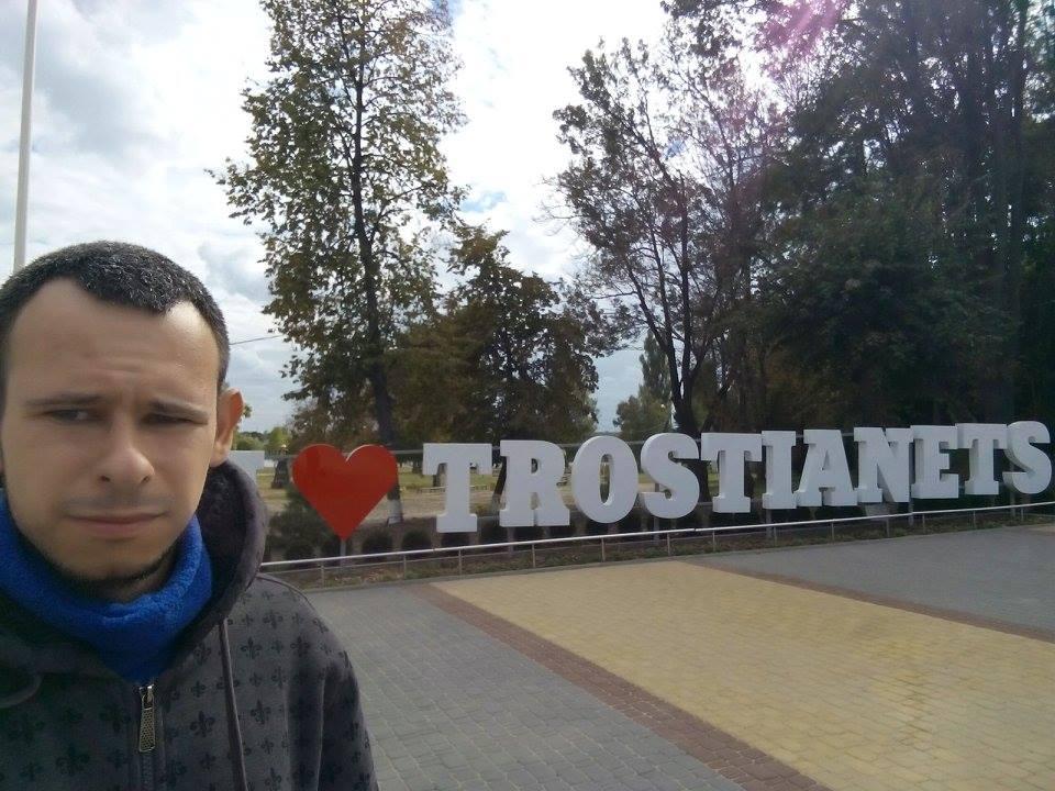 Журналісту Богдану Новаку з Вінниці невідомі переламали ніс на очах у правоохоронців