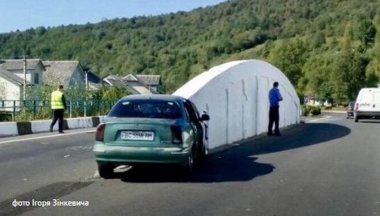 На Львівщині розбився автомобіль із журналістами львівського телеканалу НТА та ІА «Вголос»
