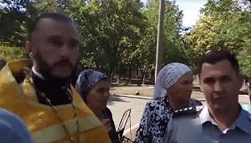 У Миколаєві священнослужитель намагався відібрати камеру у журналіста «Корабелов.інфо» (ВІДЕО)