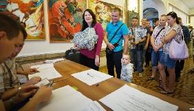 На незаконних виборах у Севастополі відсутні іноземні журналісти: ЄС не визнає вибори, МЗС України протестує