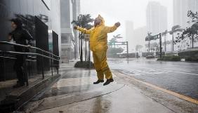 Журналісти-екстремали не припиняють висвітлювати ураган Ірма