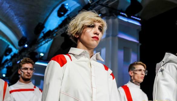 Екс-учасниця реаліті «Від пацанки до панянки» засвітилася на Ukrainian Fashion Week