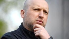 Турчинов судитиметься із журналістами, які пов'язали його родину з напівлегальним фінансовим бізнесом