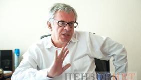 Глава Нацради Юрій Артеменко: «Раніше як було? Прийшов там Ахметов, Пінчук, Коломойський, кажуть: «Батю, президенте, ми тебе підтримаємо, дай частоту!» - їм давали»