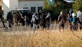 В анексованому Криму затримали двох стрімерів, які знімали арешти кримських татар (ВІДЕО)