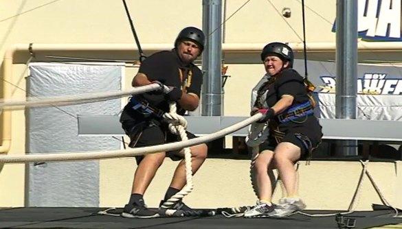 Учасників «Зважених та щасливих» скинули з дахів високоповерхівок