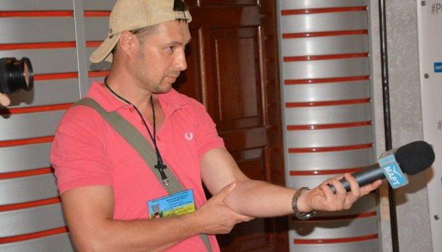 На журналіста Прямого каналу у Миколаєві напали перед виходом в ефір
