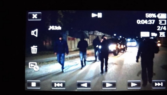 Невідомі перешкоджали знімати журналістам «Радіо Свобода» приліт Медведчука
