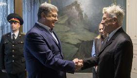 Порошенко запропонував Лінчу обдумати створення фільму про війну в Україні