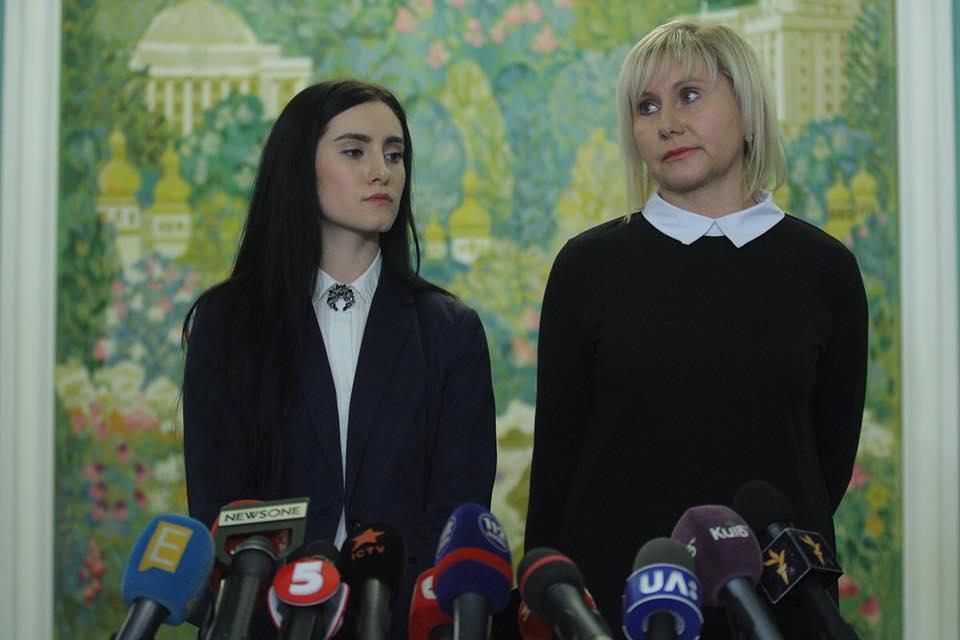 Завтра Роман Сущенко зустрінеться з дружиною і дочкою