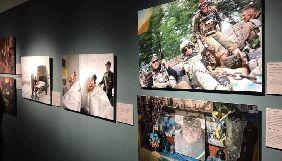 У Нью-Йорку Мінінформ представив фотовиставку «.RAW Україна на передовій»