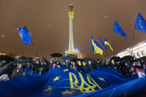 На каналах «UA:Перший» і «Громадське» - спільний спецефір про Україну за чотири роки після Революції Гідності