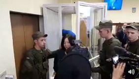 Жанари Ахмет звільнили у залі суду та передали на поруки депутату Заліщук