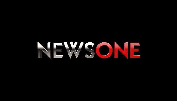 До каналу NewsOne виїхала оперативно-слідча група - активісти заявляють, що блокування символічне (ДОПОВНЕНО)