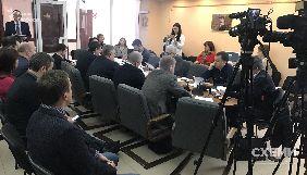 Комітет з питань свободи слова заслухав звіт правоохоронців про розслідування щодо нападу на «Схеми» охорони Медведчука