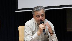 Журналіст Сергій Рахманін повідомив, що знайшов у себе в кабінеті «жучок»