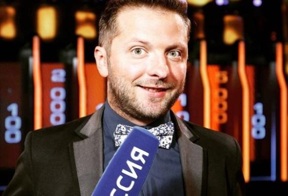 Російського журналіста Пакшина не пустили до України – він полетів закордон