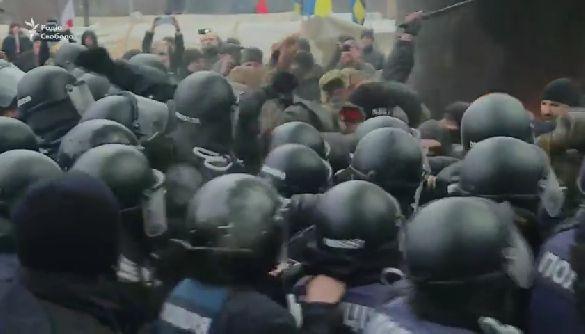 «Криве дзеркало» закону про реінтеграцію Донбасу: в Росії і у нас