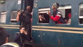 Фотокореспондент Associated Press присоромив колег за постановочні фото