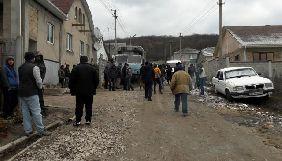 Російські силовики обшукали будинки кримськотатарських активістів через публікації в соцмережах