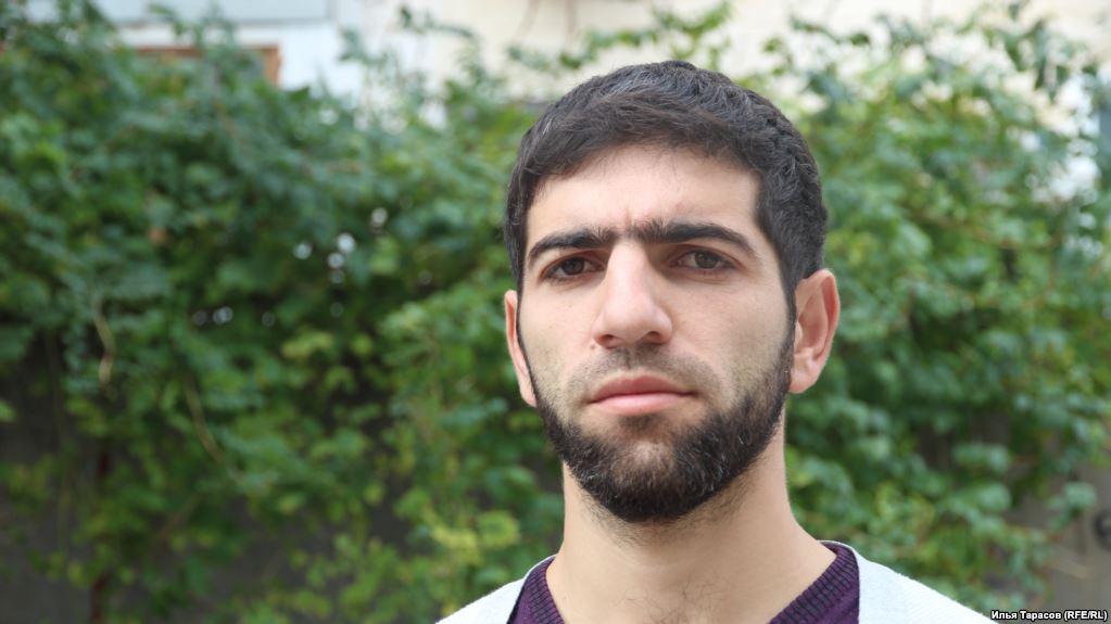 У Криму звільнили активіста Енвера Кроша, якого було засуджено за пост у соцмережі