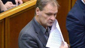 У кулуарах Ради нардеп Пономарьов перешкоджав журналісту Марусенку знімати на телефон