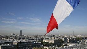Французький законопроект пропонує спростити закриття медіа з фейками