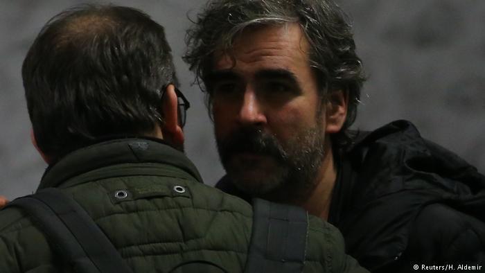 Звільнений в Туреччині журналіст газети Die Welt повернувся до Німеччини