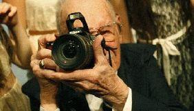 Відомий фотограф Associated Press помер у віці 104 років