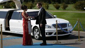 Участницы нового сезона «Холостяка» явились на первую вечеринку в свадебных платьях