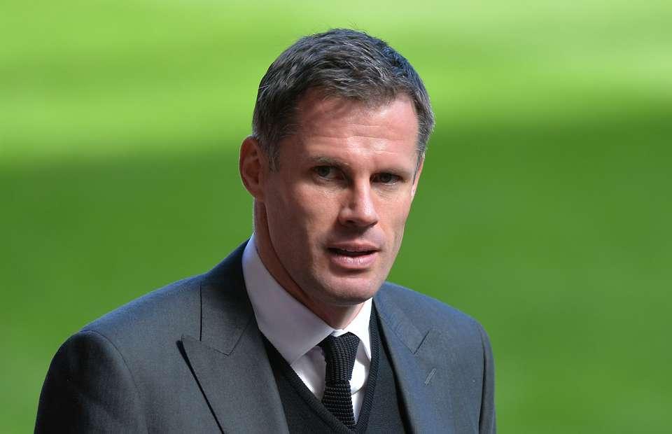 Колишнього футболіста «Ліверпуля» відсторонили від роботи на телебаченні через плювок у машину вболівальника