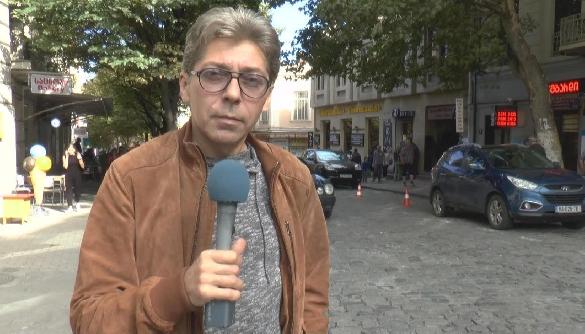 Блогер Саша Сотнік покинув Росію разом із сім'єю через погрози