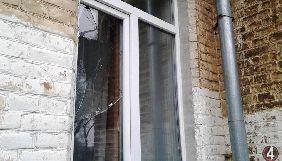 У Рівному родичам керівника ГО «Антикорупційний моніторинг» розбили вікно в квартирі