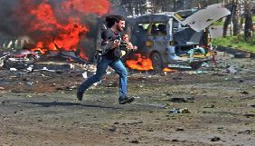 Сирійський фотограф виграв нагороду HIPA за знімок колеги, що рятував дітей під час авіаудару