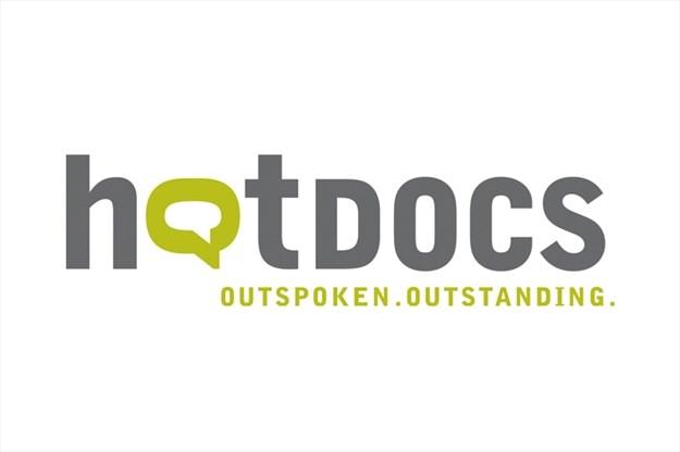 Українські фільми «Ленінопад» і «Тато – мамин брат» увійшли до конкурсної програми фестивалю Hot Docs