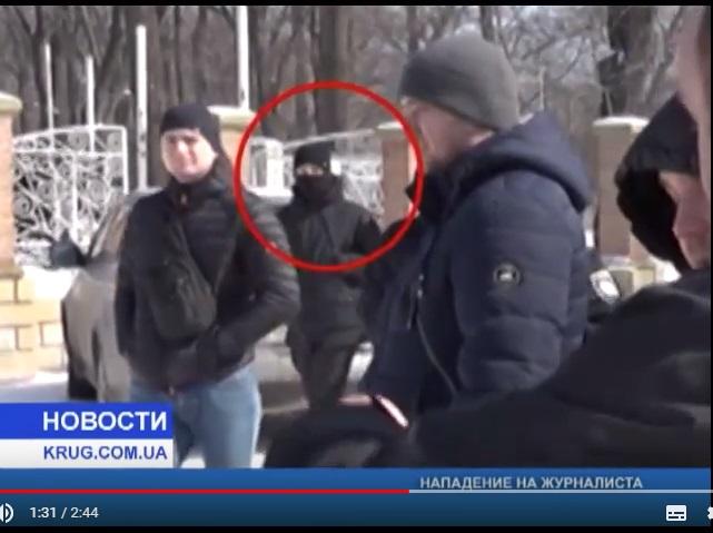 В Одесі на оператора каналу «Круг» напав ззаду невідомий і розбив камеру