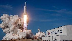SpaceX і Tesla видалили свої сторінки у Facebook через заклики до бойкоту соцмережі