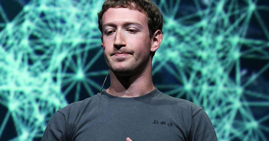 Цукерберг задопомогою газет вибачився заскандал із Facebook
