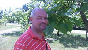 Потребує допомоги письменник і журналіст Олександр Кириченко