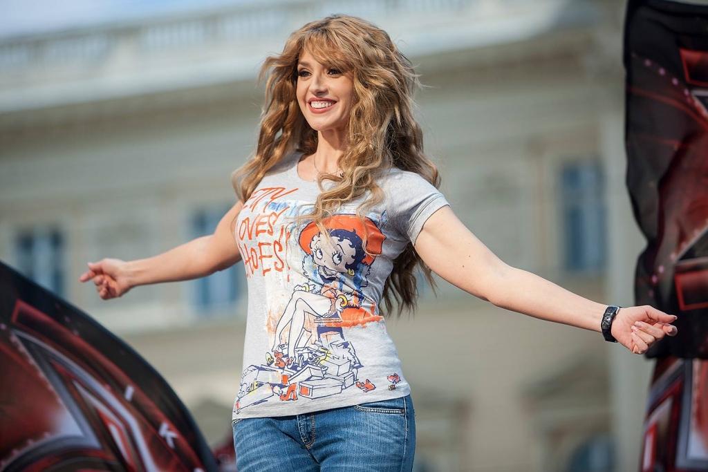 Полиция задержала человека, который угнал машину Оксаны Марченко – УНН