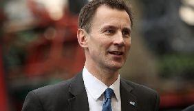 Британський міністр вимагає від соцмереж запропонувати способи захисту дітей онлайн