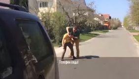 Під Києвом на території VIP-поселення напали на знімальну групу «Грошей»