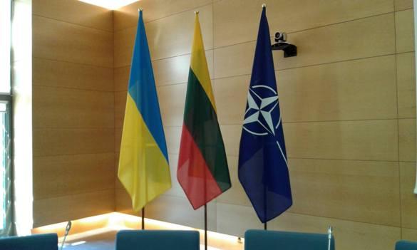 Співробітництво України з НАТО: до чого тут Литва і Білорусь