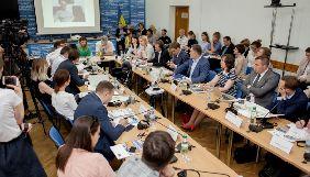 Точка біфуркації: що відбувається з правами журналістів в Україні