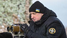 Турчинов просить СБУ запровадити санкції проти ЗМІ, що транслювали «парад» з ОРДЛО