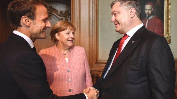 У Німеччині журналістів УНІАНу та «112 Україна» не пускали на зустріч Порошенка, Макрона та Меркель