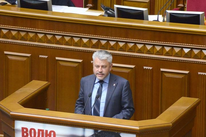 Народним депутатам пропонують звітувати про свою діяльність на сайті парламенту не рідше двох разів на рік