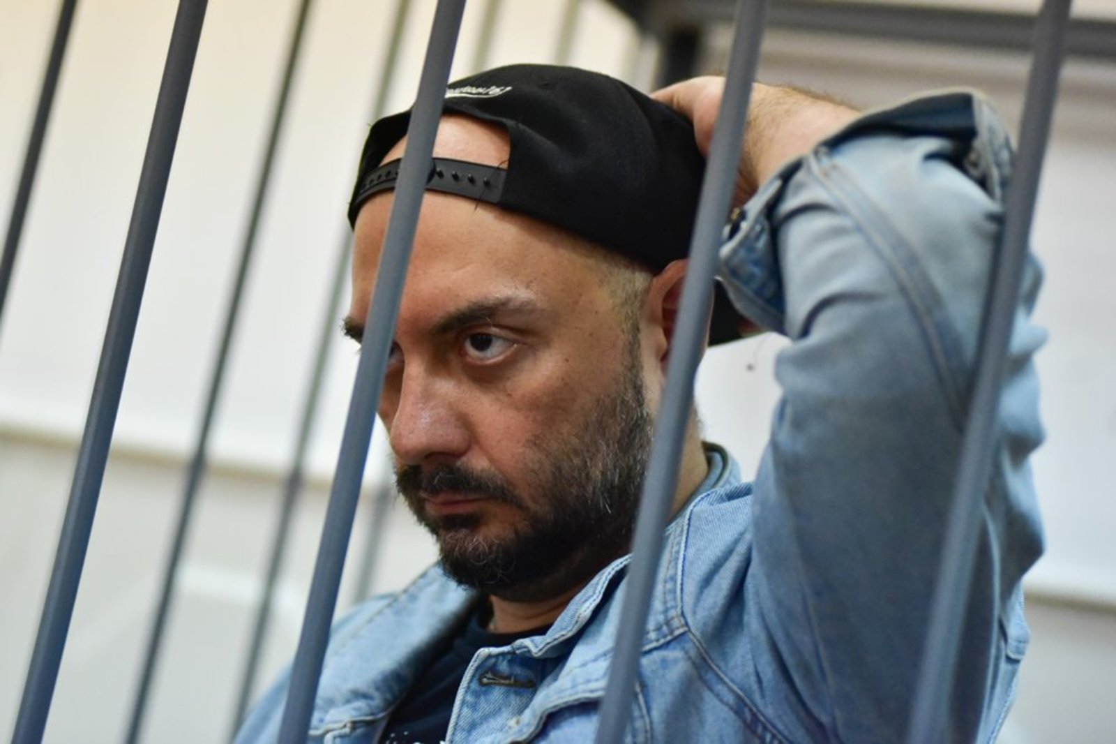 Серебренников не може відвідати Канни, бо «у нього є проблеми з судовою владою» – Путін
