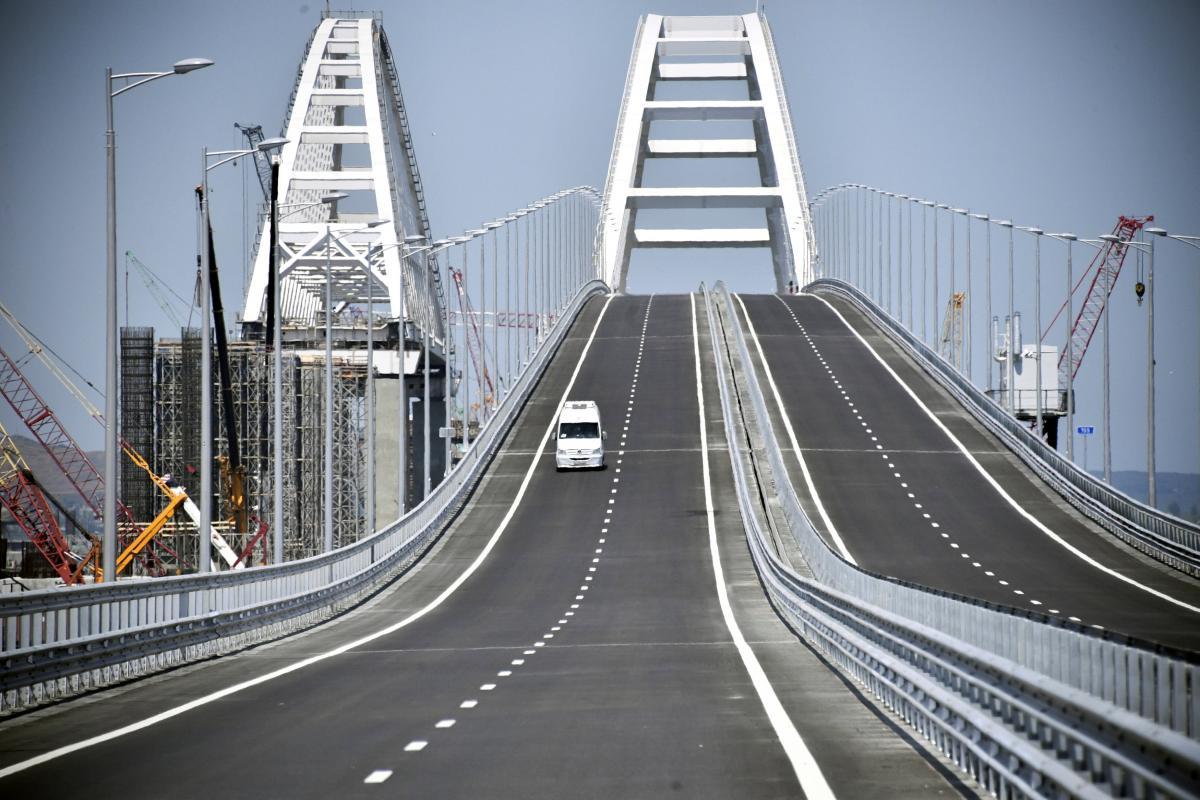Журналіст, який закликав нанести удари по Керченському мосту, заявив, що отримав підтримку України; Клімкін це спростував